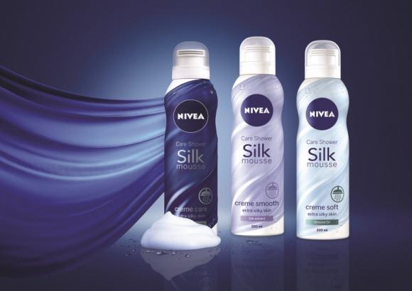 Innowacyjne Jedwabiste musy do mycia ciała pod prysznic NIVEA