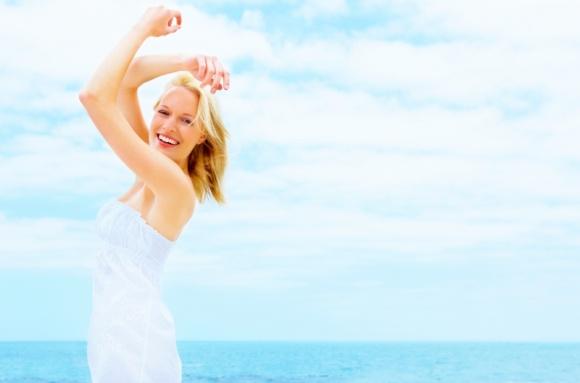 Piękna i gładka – zadbaj o skórę szyi i dekoltu przed latem