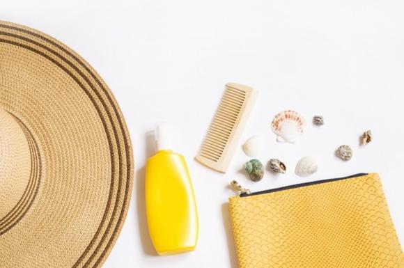 Co powinno się znaleźć w wakacyjnej kosmetyczne każdej kobiety?