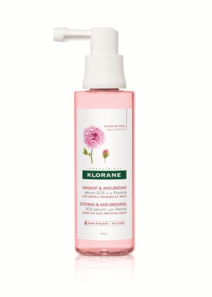 KLORANE SERUM SOS NA BAZIE PIWONII LIFESTYLE, Uroda - Pierwszy produkt stworzony przez Klorane, który łagodzi i redukuje podrażnienia już po pierwszym zastosowaniu, dzięki wysokiemu stężeniu wyciągu z Piwonii chińskiej (20x więcej niż w szamponie).