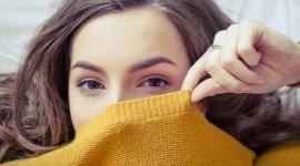 Skóra problematyczna – o czym należy pamiętać? LIFESTYLE, Uroda - Trądzik, przebarwienia, suchość albo nieustanne błyszczenie się – większość kobiet, bez względu na wiek, boryka się na co dzień z mniejszymi lub większymi problemami skórnymi. Czy istnieją uniwersalne metody radzenia sobie z cerą problematyczną?