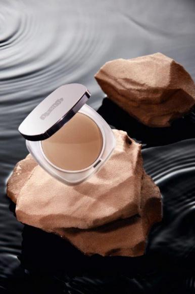 The Sheer Pressed Powder Skincolor de la Mer ™