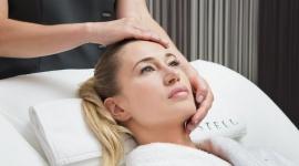 Oczy, usta, szyja i dłonie, czyli jak dbać o atrybuty kobiecego piękna