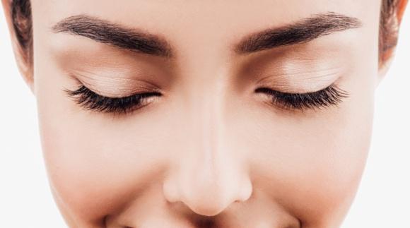 Te problemy najbardziej wpływają na wygląd skóry wokół oczu