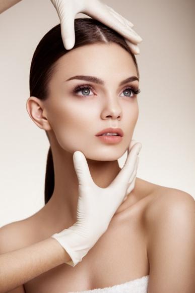 Zdrowa i piękna skóra, czyli jak łączyć zabiegi lecznicze i estetyczne