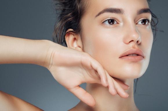 Naturalnie piękna skóra twarzy i ciała gotowa na wiosnę – wystarczy jeden zabieg