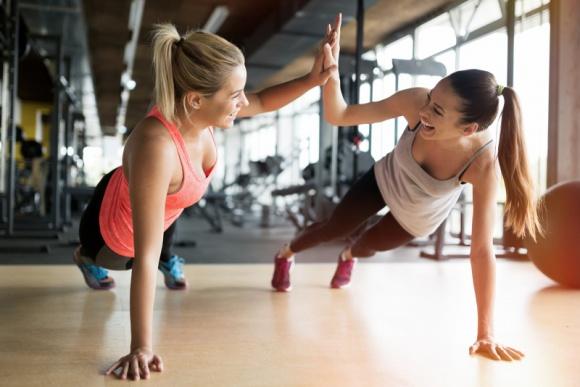 Czy powiększenie piersi to przeszkoda w aktywności fizycznej?