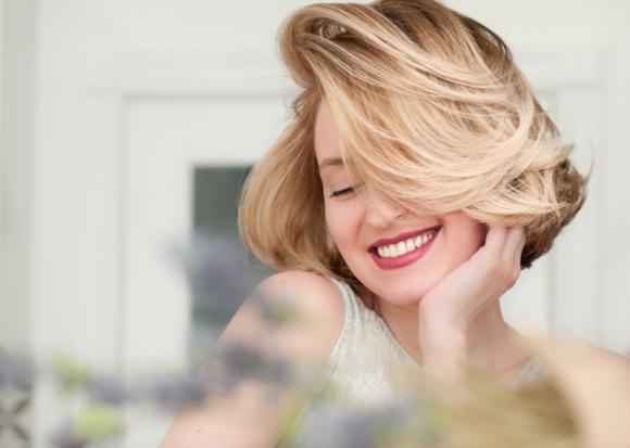 Jak skutecznie dbać o włosy przez cały rok? 5 podstawowych zasad