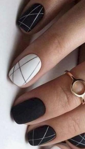 5 hot trendów w manicure na Sylwestra i Karnawał