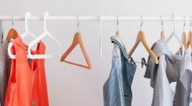 Dlaczego recykling ubrań to największy trend 2020, który musisz poznać? LIFESTYLE, Moda - W ciągu ostatnich 15 lat branża fashion stała się drugim co do wielkości trucicielem środowiska naturalnego. Nic więc dziwnego, że recykling odzieżowy wysuwa się na czołówkę najważniejszych trendów tego roku. O co w nim chodzi i jak wdrożyć go do swojego codziennego życia?