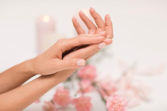 Jak pielęgnować dłonie w czasie kwarantanny