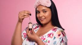 Jak pielęgnować twarz? Niewiele osób zwraca uwagę na etapy pielęgnacyjne. LIFESTYLE, Uroda - Jak znaleźć te kosmetyki, które są naturalne, bezpieczne i na pewno działają?