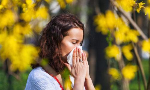 Oczy wcale nie swędzą od komputera – fakty i mity o alergii