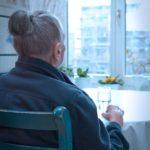 Izolacja społeczna polskich seniorów postępuje Jak pandemia wpłynęła na jakość życia osób powyżej 60. roku życia w Polsce?